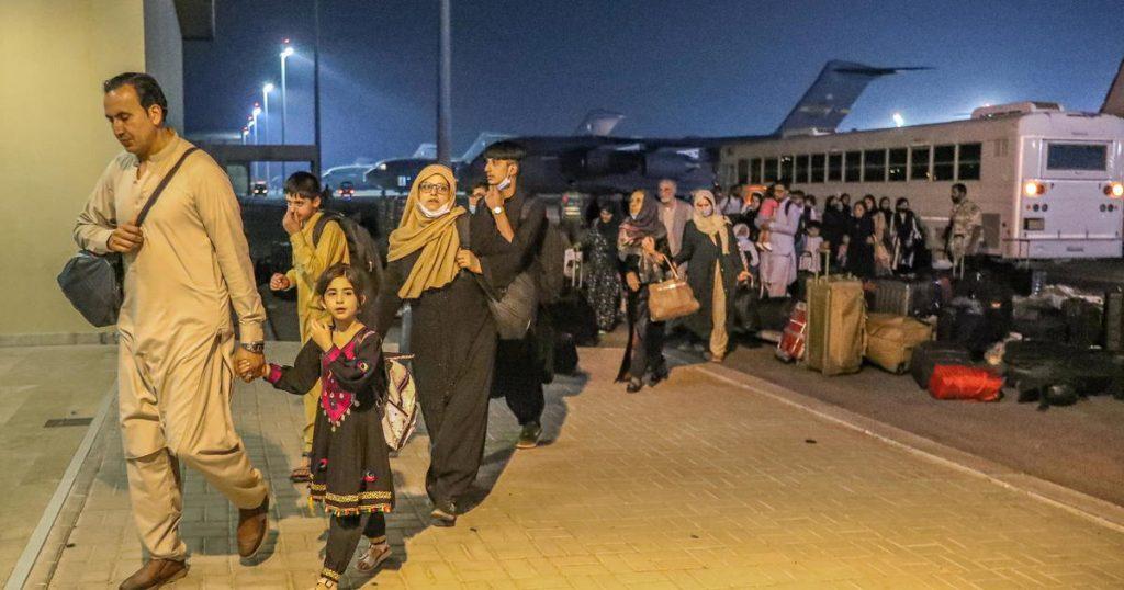 111 meninas afegãs escapam de Cabul com segurança