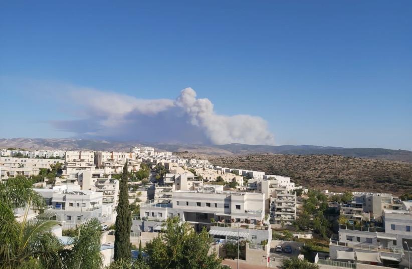 Uma visão da fumaça do incêndio Beit Meir de Modi'in (Fonte da imagem: Yona Jeremy Pope)