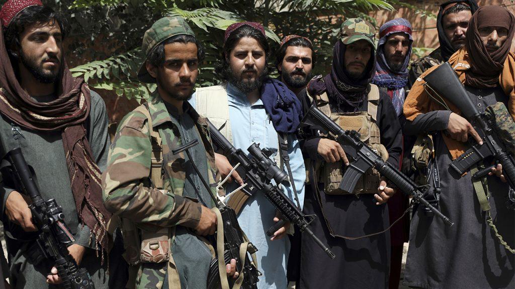 A CBS News ridicularizou a reportagem afirmando que 'as mudanças climáticas ajudaram a fortalecer o Taleban'