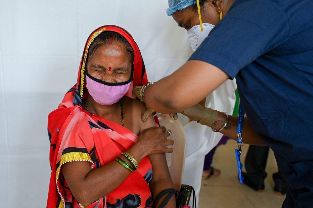 A desigualdade das vacinas pode custar trilhões para a economia global: relatório