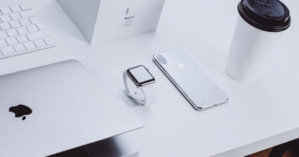 Apple Inc.  (NASDAQ: AAPL) - A Apple solicitou US $ 300 milhões em royalties para uma patente de tecnologia sem fio