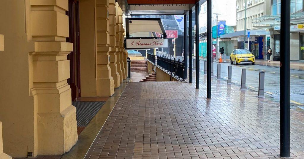 Ardern, na Nova Zelândia, estende o bloqueio à medida que o surto de vírus se amplia