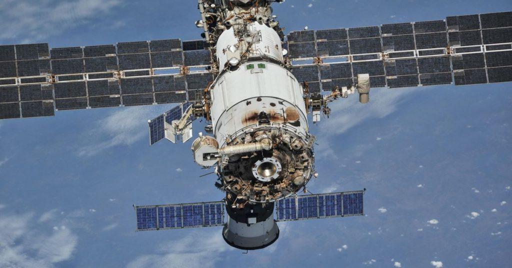 Cosmonautas russos descobrem novas rachaduras no módulo da Estação Espacial Internacional