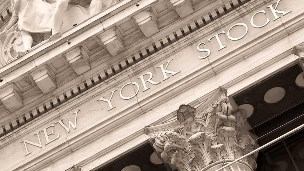 Dow Jones Hoje, as ações estão misturadas com uma forte queda em agosto.  Facebook, Chipotle perto de pontos de compra;  Generac sobe no furacão Ida