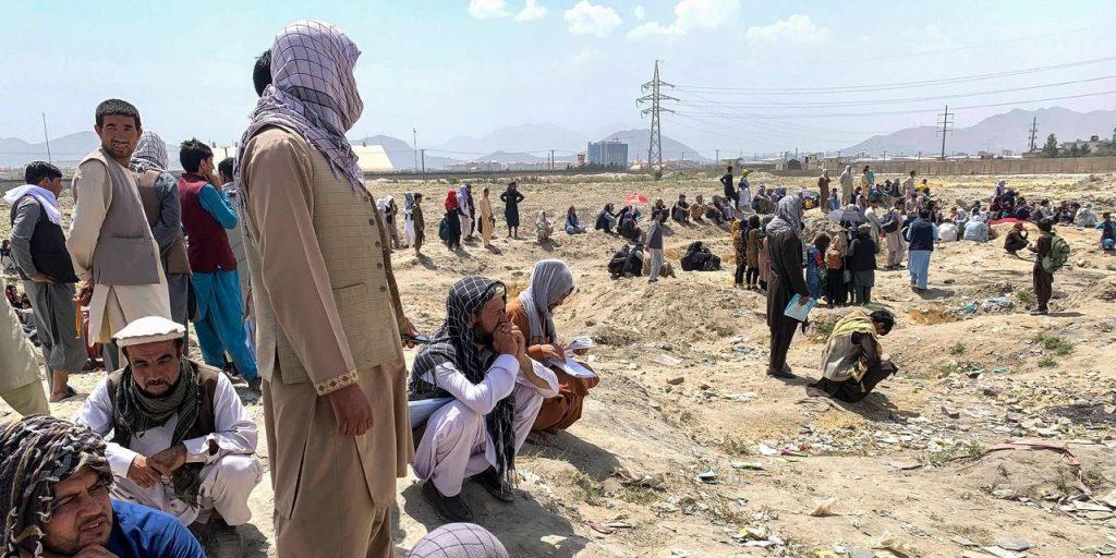 EUA consideram encomendar companhias aéreas comerciais para ajudar a evacuar afegãos