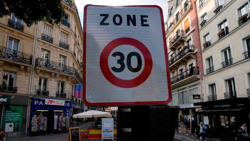 Limite de velocidade de Paris: a cidade pisa no freio com uma regra de 30 km / h