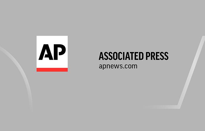 Oakland McDonald's abre processo sobre máscaras de fraldas para cães COVID