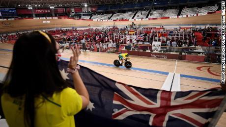 Paige Greco, da Austrália, compete na qualificação individual de perseguição C1-3 de 3.000 m na Izu Raceway no primeiro dia durante os Jogos Paraolímpicos de Verão de Tóquio em 2020 em Shizuoka, Japão.