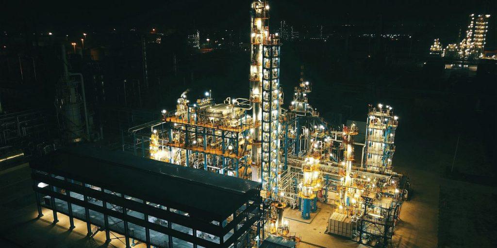 Preços do petróleo caem em meio a preocupações com eclosão da variável delta da China