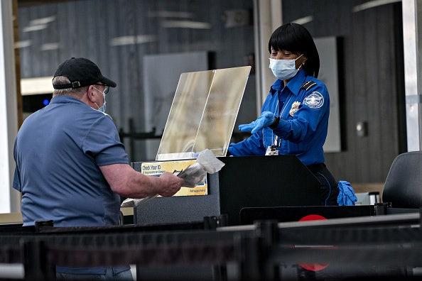 TSA estende mandato de máscara pelo menos em janeiro