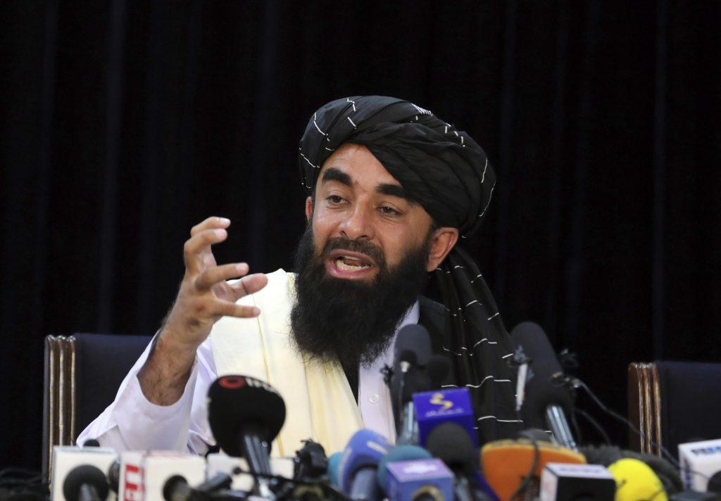 Talibã promete respeitar as mulheres, apesar do histórico de repressão
