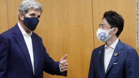 Kerry adverte que os países estão ficando sem tempo para descarbonizar e desafia a China a se afastar do carvão