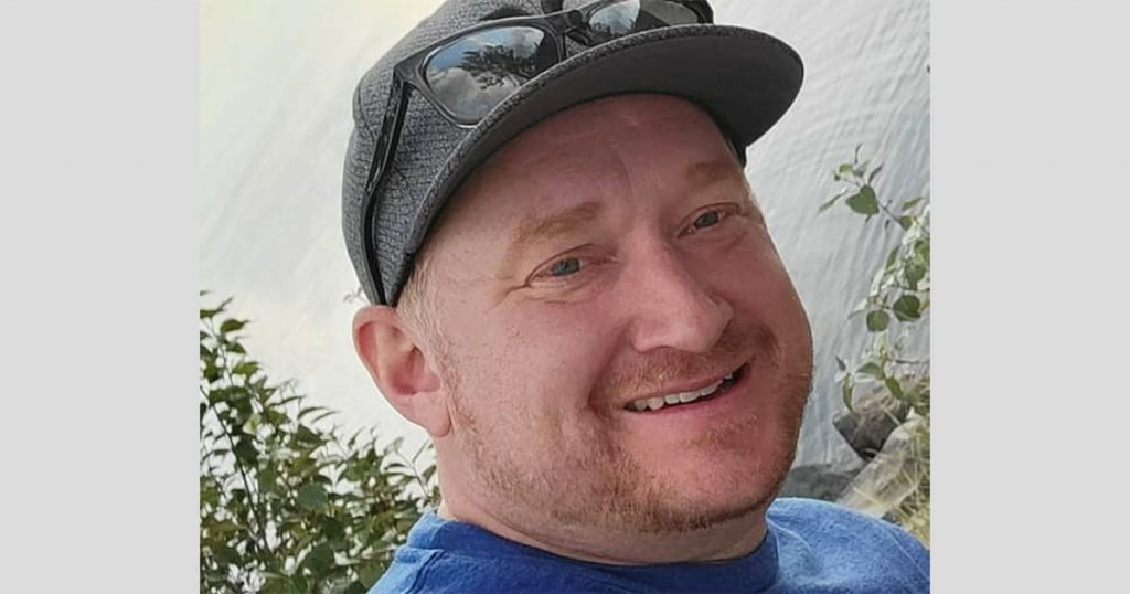 Um homem foi esmagado até a morte por seu próprio carro no McDonald's no Canadá