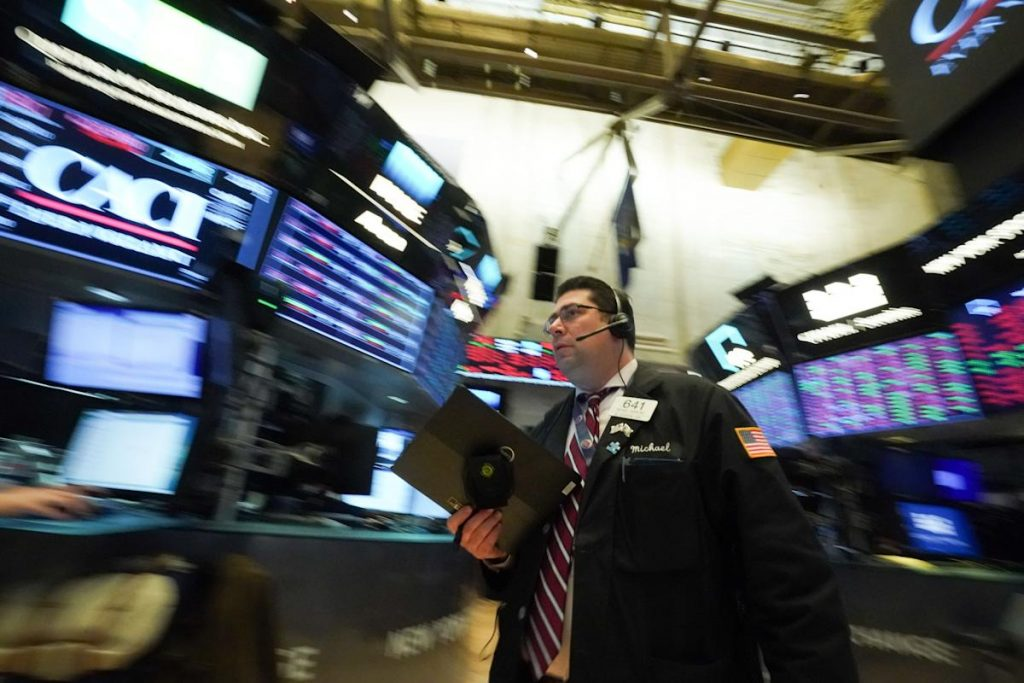 Wall Street afunda em meio a temores do contágio de Evergrande na China e da política da dívida dos EUA