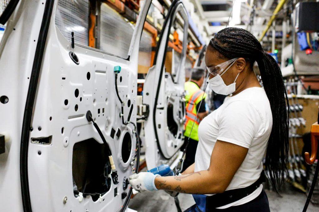 A escassez de chips deve custar à indústria automobilística US $ 210 bilhões em 2021