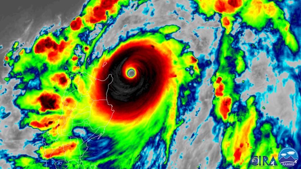 Categoria 5 Super Typhoon Chanthu está se dirigindo para um ataque direto em Taiwan