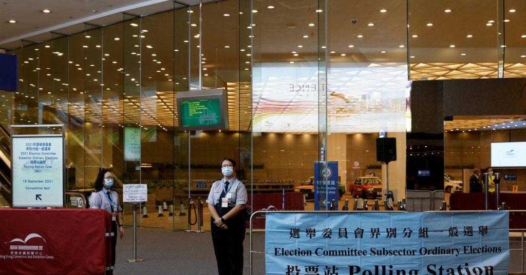"""Começa a primeira eleição """"apenas patriótica"""" de Hong Kong"""