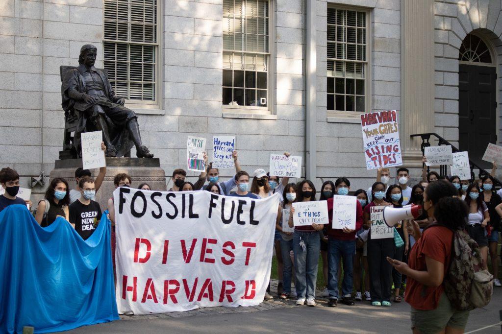 Harvard vai retirar seu dinheiro dos combustíveis fósseis    Notícia