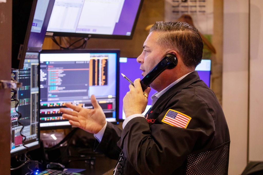 Os futuros de ações estão em alta no comércio da madrugada, depois que o mercado terminou uma semana no verde