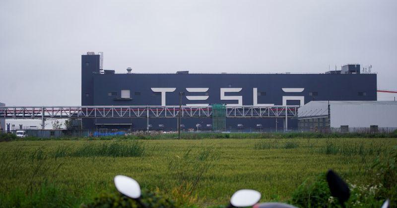 Shanghai Tesla constrói 300.000 carros de janeiro a setembro, apesar da escassez de chips