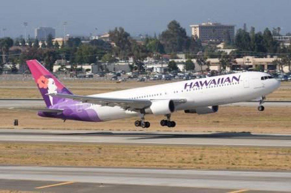 Voo da Hawaiian Airlines da Coreia do Sul faz pouso de emergência no Atol Midway