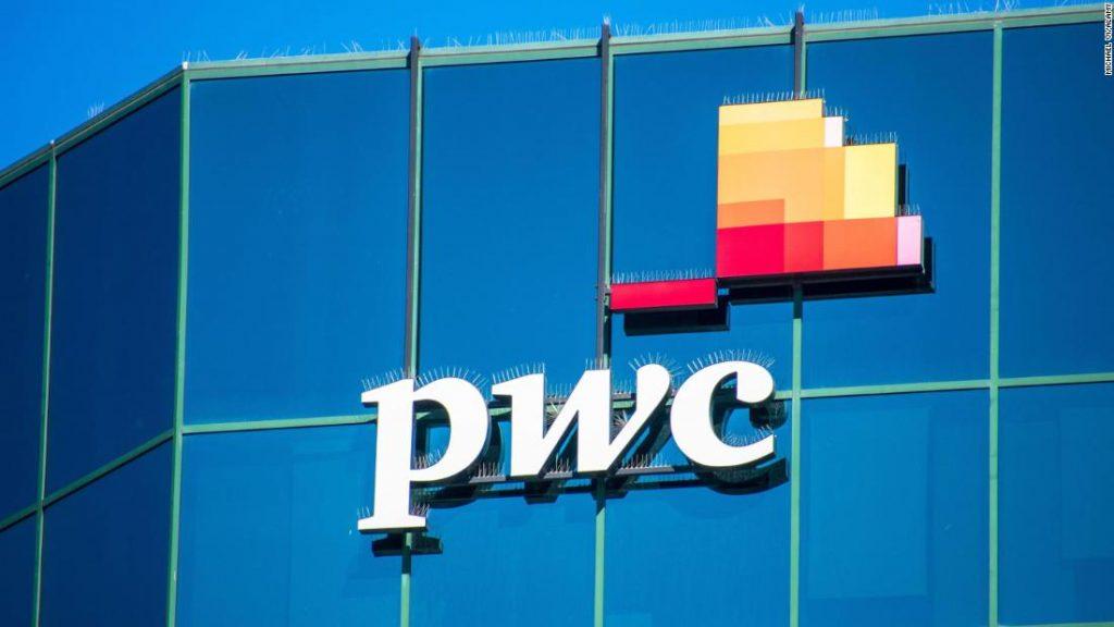 A PricewaterhouseCoopers permite que 40.000 funcionários trabalhem em casa