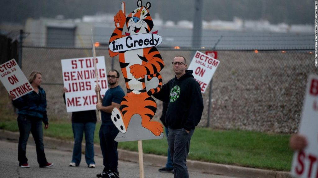 Greve da Kellogg: 1.400 trabalhadores de fábricas de grãos juntam-se a protestos