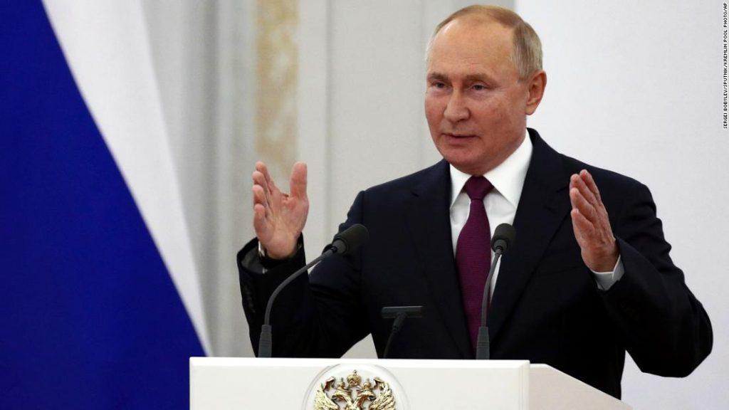 Putin diz que a Rússia precisa acelerar a vacinação contra Covid-19