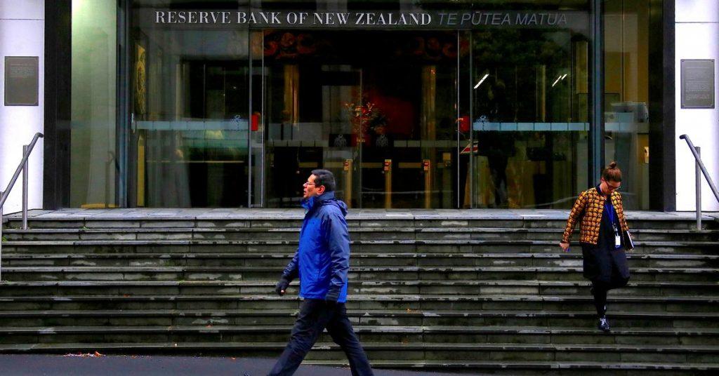 A Nova Zelândia aumenta as taxas pela primeira vez em sete anos e mais por vir