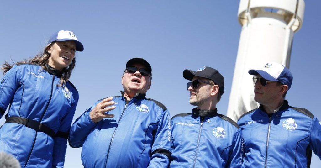 No foguete Blue Origin, William Shatner finalmente vai para o espaço